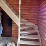 Деревянная лестница из бруса